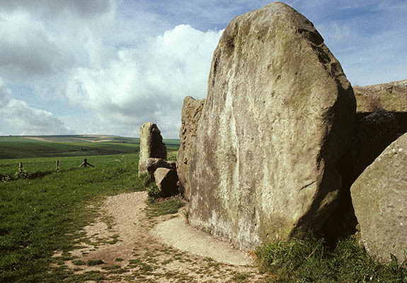 ENG: South West Region, Wiltshire, North Wessex Downs AONB, Avebury, West Kennet, West Kennet Long Barrow, near Avebury. Neolithic burial chamber (c. 3200BC) [Ask for #136.077.]